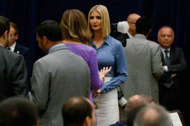 Πάρτι στο twitter με το στήθος της Ιβάνκα Τραμπ – Newsbeast