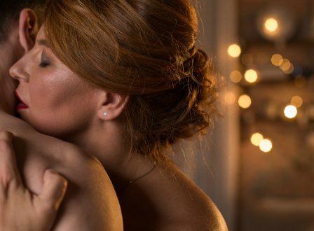 3 πράγματα οφείλουν να προσέχουν οι γυναίκες σε εμμηνόπαυση όταν θέλουν να κάνουν σεξ