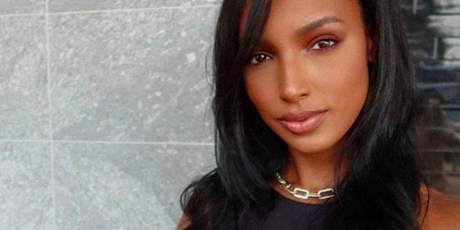 Υπάρχει μακιγιάζ που είναι και για πρωί και για βράδυ; Ένα μοντέλο της Victoria's Secret «συμβουλεύει»