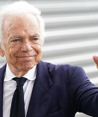 Σε δωρεά 10 εκατ. ευρώ προχωρά ο Ralph Lauren για να αντιμετωπιστεί η κρίση από τον κορονοϊό