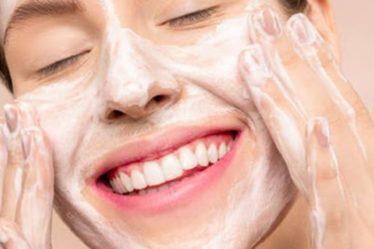 Μπότοξ, υαλουρονικό οξύ ή χημικό peeling; Ποια είναι η καλύτερη αντιγηραντική θεραπεία;