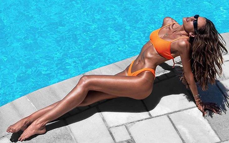 Η Ιζαμπέλ Γκουλάρ δίνει στο ηλιοβασίλεμα της Μυκόνου μία σέξι πινελιά – Newsbeast