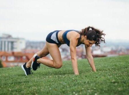 Διαλειμματική αερόβια άσκηση υψηλής έντασης σε μόλις 15 λεπτά - BORO από την ΑΝΝΑ ΔΡΟΥΖΑ
