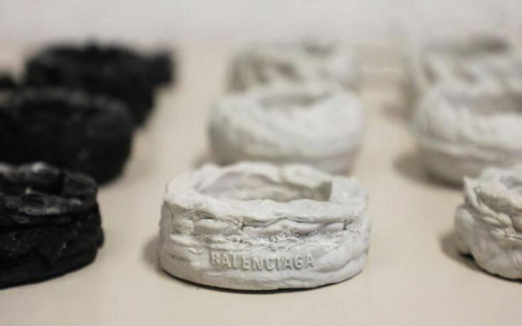 Δυστοπικά κοσμήματα από θαλάσσια σκουπίδια – Newsbeast