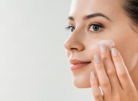 Υαλουρονικό οξύ: Το θαυματουργό συστατικό που πρέπει να εντάξετε στην skincare ρουτίνα σας - BORO από την ΑΝΝΑ ΔΡΟΥΖΑ